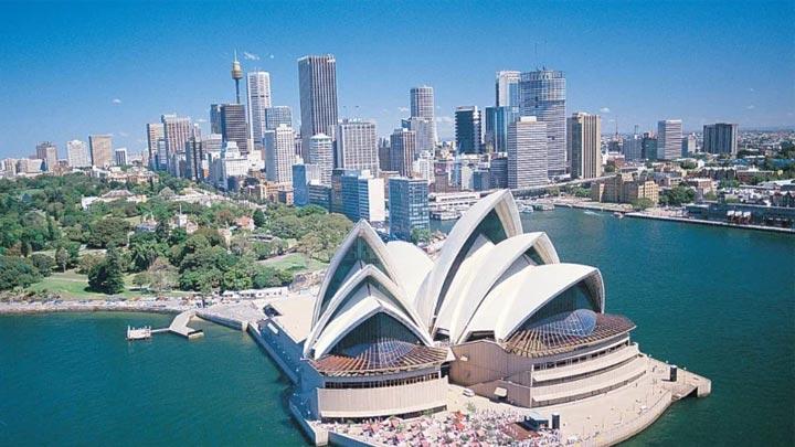 lục địa australia thường có khí hậu khô hạn