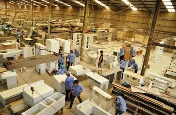 Xưởng đóng bàn ghế làm trong bao nhiêu ngày để hoàn thành công việc